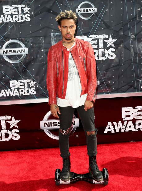 Vic Mensa BET Awards Red Carpet 2015 5