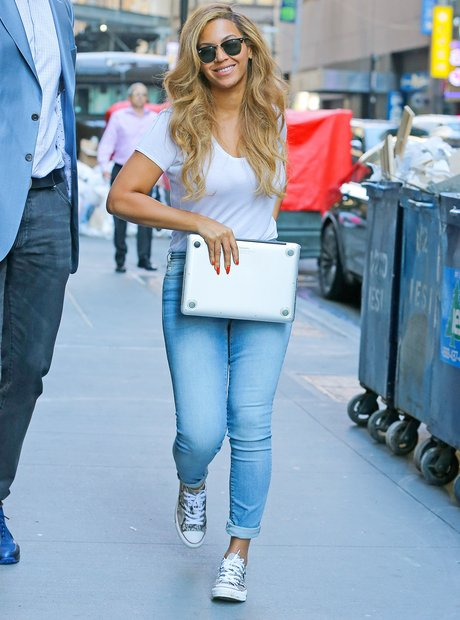 Beyonce with Laptop