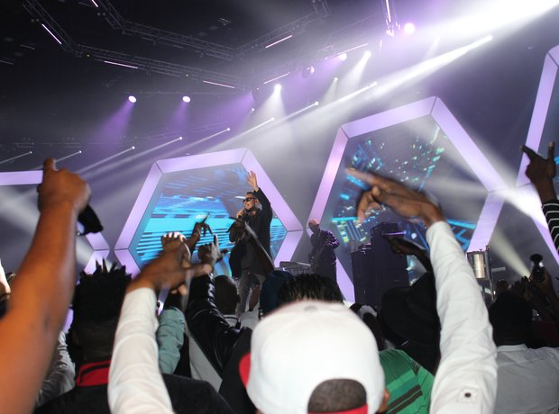 AKA on stage MTV MAMAs 2015