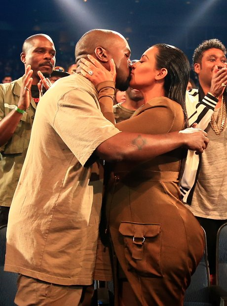 Kim Kardashian and Kanye West Kiss MTV VMA's 2015