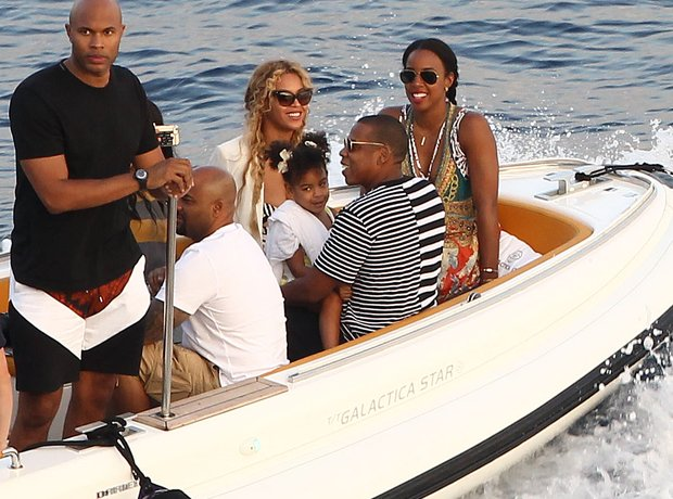 Beyonce, Jay Z and Kelly Rowland Holiday