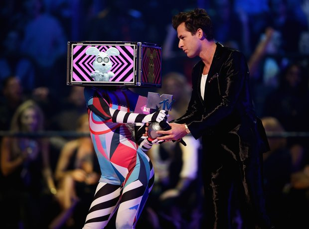 Mark Ronson MTV VMA's 2015 Show