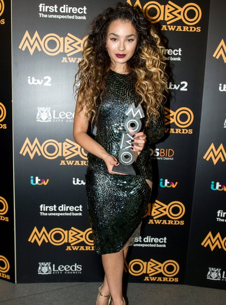 Ella Eyre MOBO Awards 2015 3