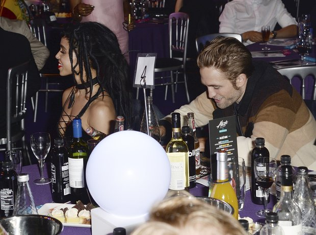 FKA Twigs and Robert Pattinson MOBO Awards 2015