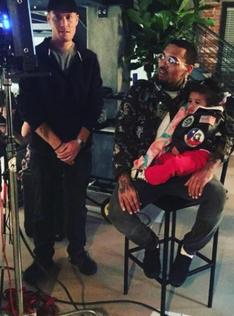 18 Photos Of Chris Brown And Royalty That You Just Can't