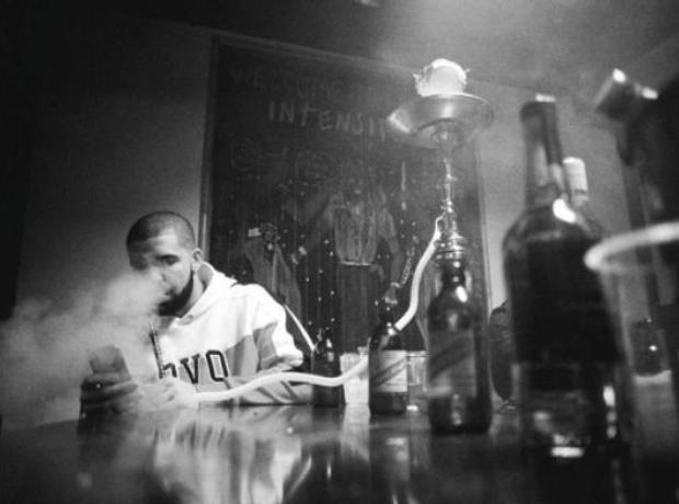 Drake smoking shisha