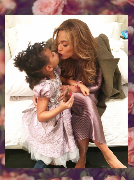 Beyonce and Blue Ivy kiss