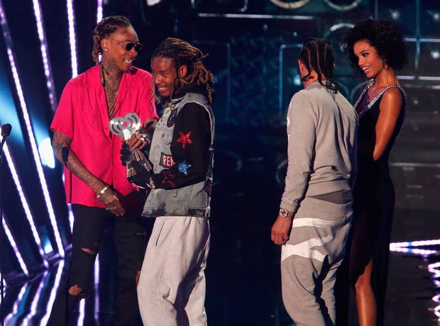 Fetty Wap recieving iHeartRadio 2016 awards
