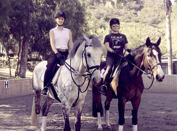 Iggy Azalea and Kesha go for a horseride