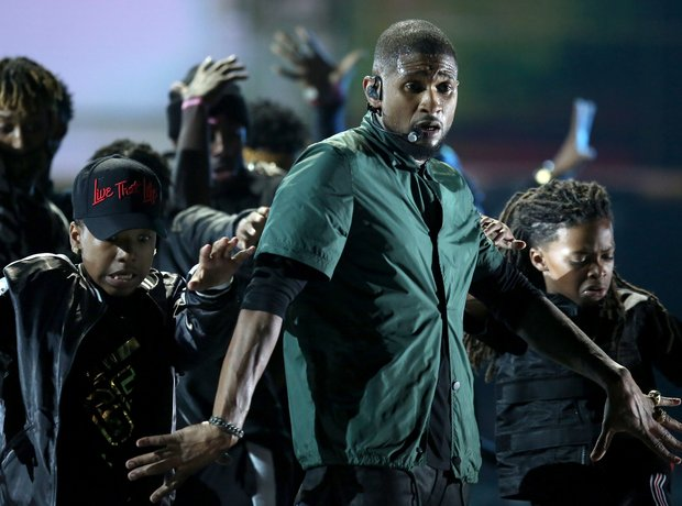 Usher at the BET Awards 2016