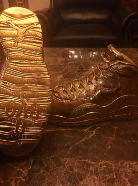 Drake Gold OVO Jordan 10
