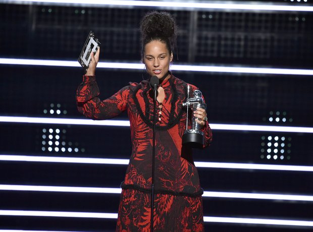 Alicia Keys Award MTV VMAs 2016