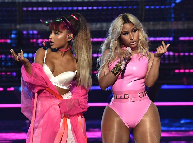 Ariana Grande Nicki Minaj MTV VMAs 2016