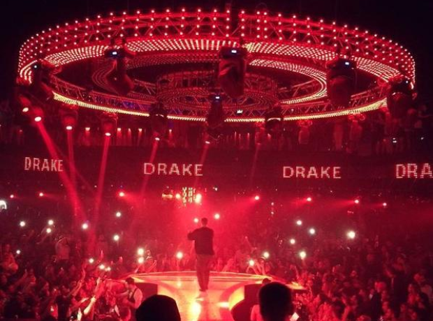 Drake Performing in Dubai