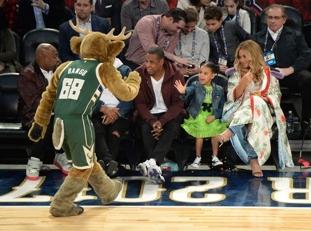 Beyonce, Jay-Z and Blue Ivy attend basket ball gam