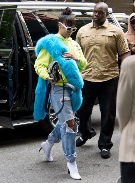Rihanna is seen arriving at the Carlyle Hotel