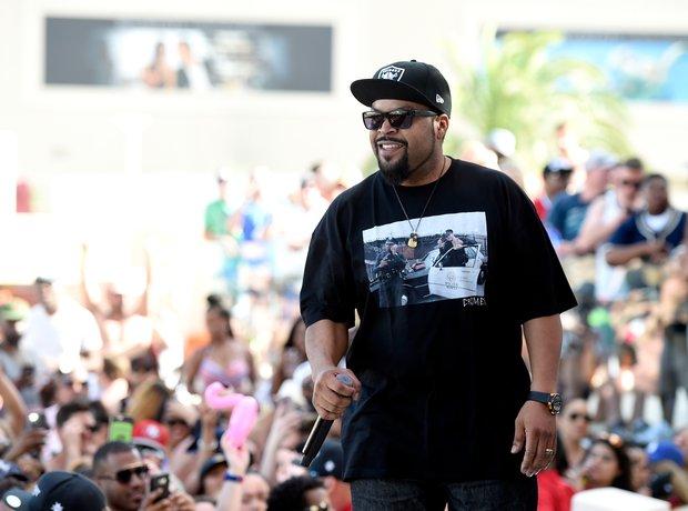 Ice Cube performing in Las Vegas