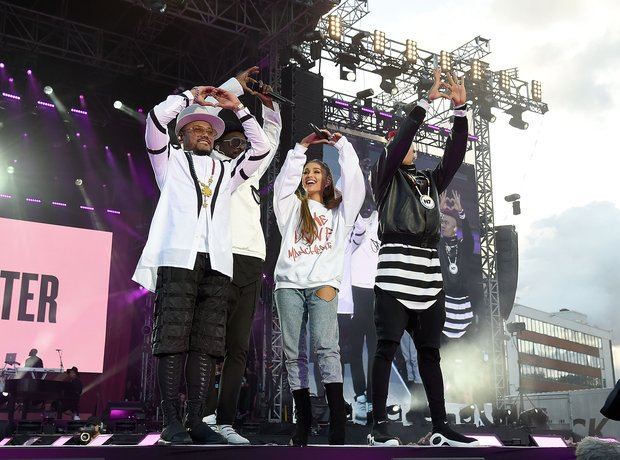Ariana Grande with Black Eye Peas during live One