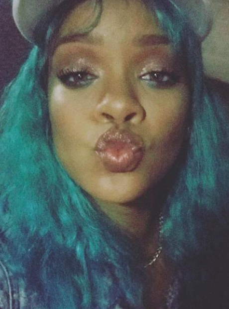Rihanna shows off her new blue hair