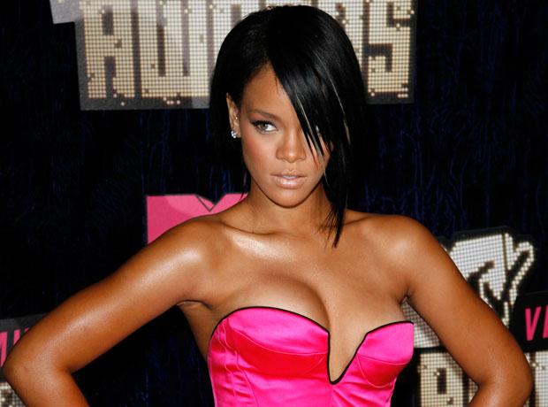 Rihanna in 2007