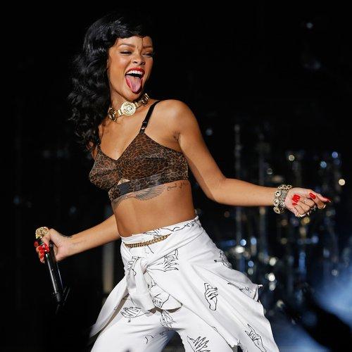 35 Rihanna Lyrics For When You Need A Badass Instagram Caption