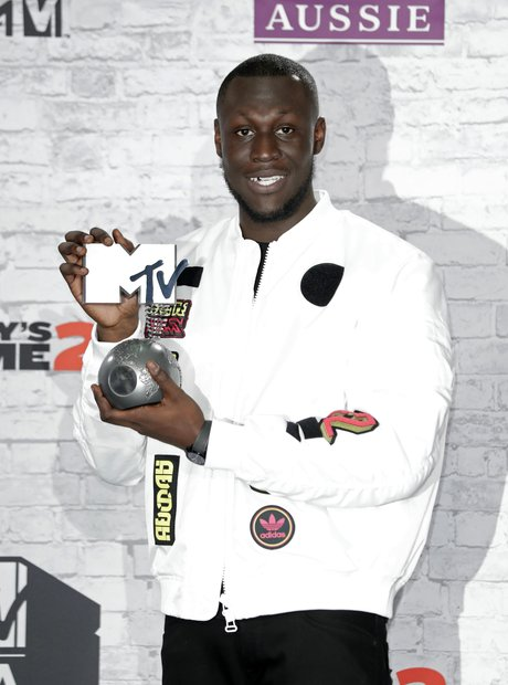 Stormzy wins the Worldwide Act award at the EMAs 2