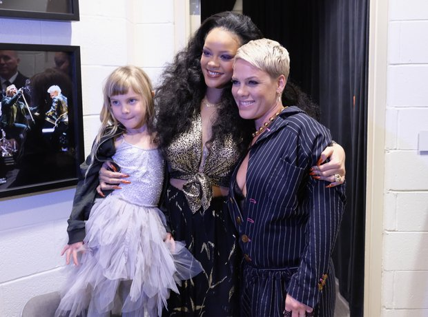 Willow Hart, Rihanna and P!nk