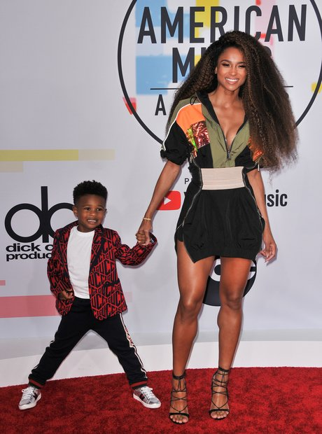 Ciara and her son at the AMAs 2018 Red Carpet