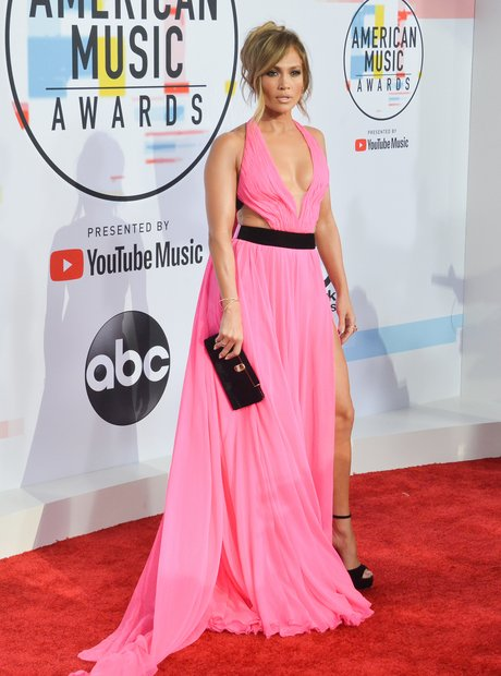 Jennifer Lopez AMAs 2018 Red Carpet Pink Dress