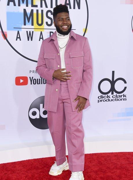 Khalid AMAs 2018 Red Carpet Pink Suit